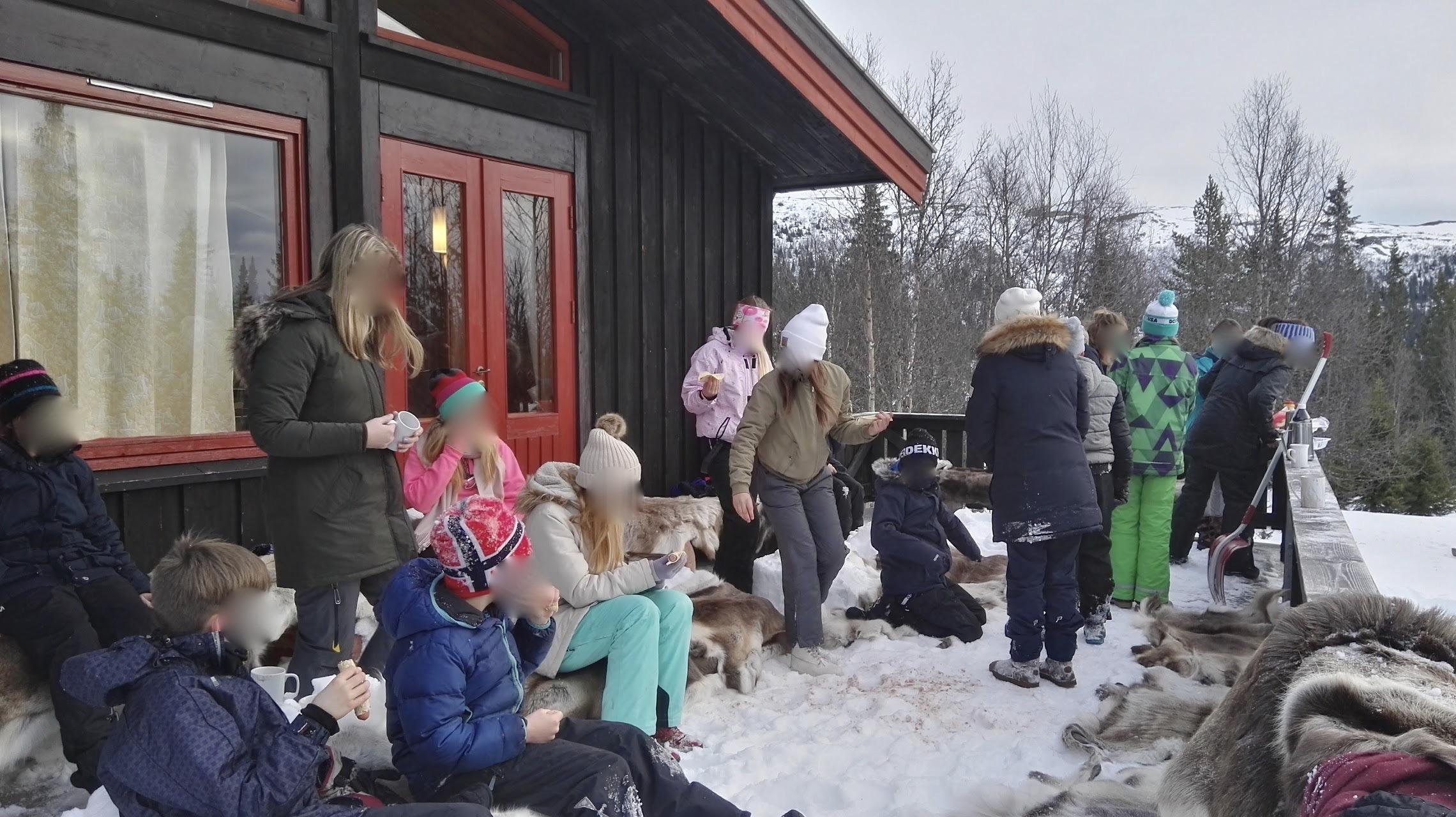 vinterkos på Skirva Fjellkyrkje